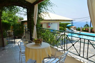 small-studio-kefalonia-07